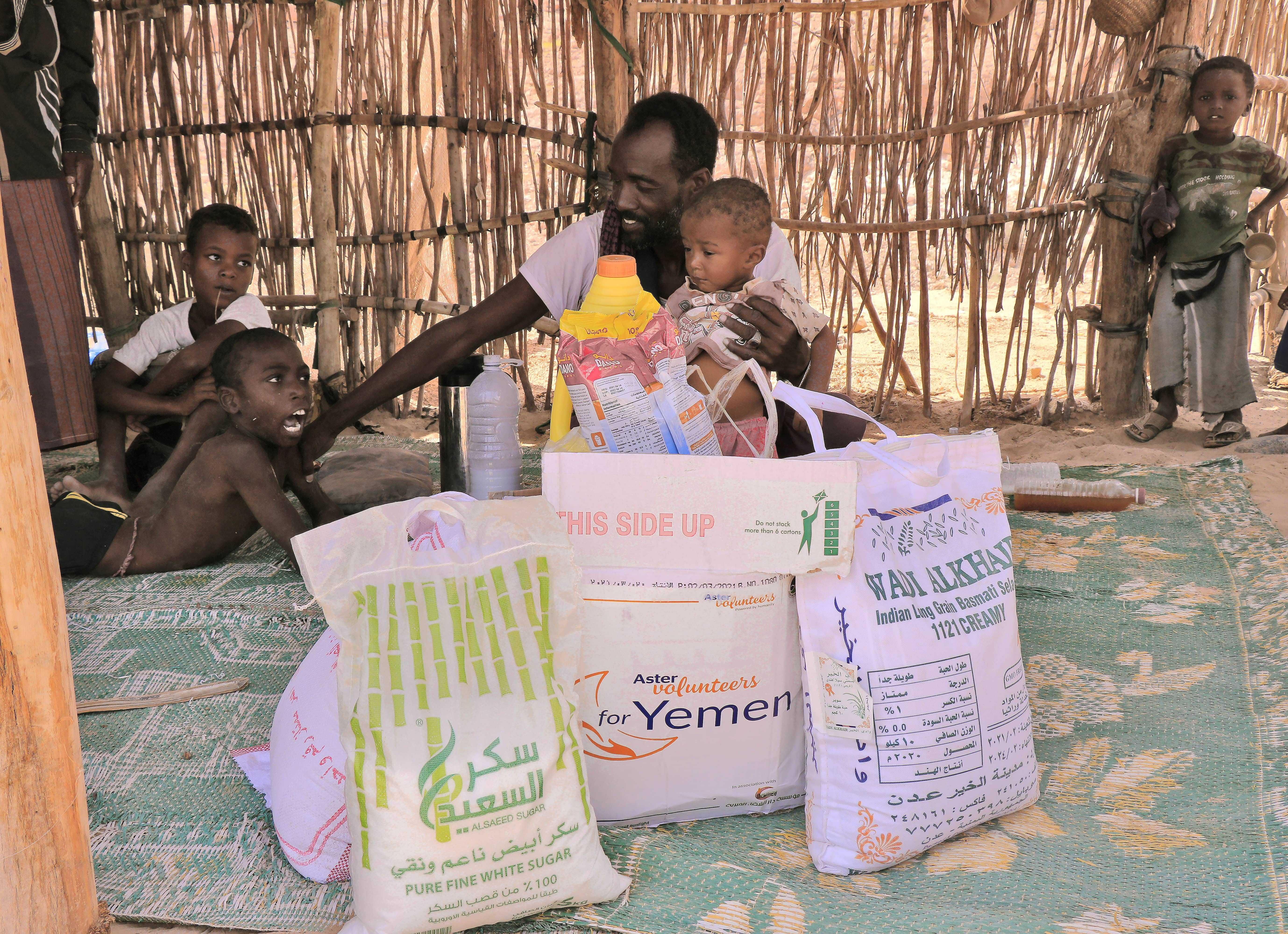 Aster Volunteers donates ration kit weighing 50 kg each to 1500 underprivileged families in Yemen
