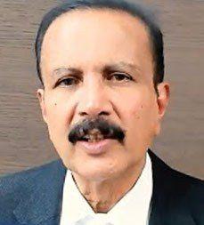 Doctor speak Dr Azad Moopen 24