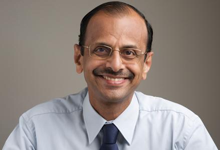 Dr-Narayan-Unni_Sr-Consultant_team